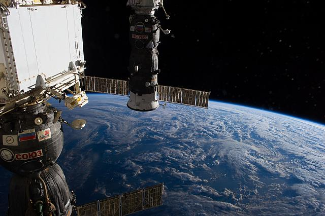 iss040e078953